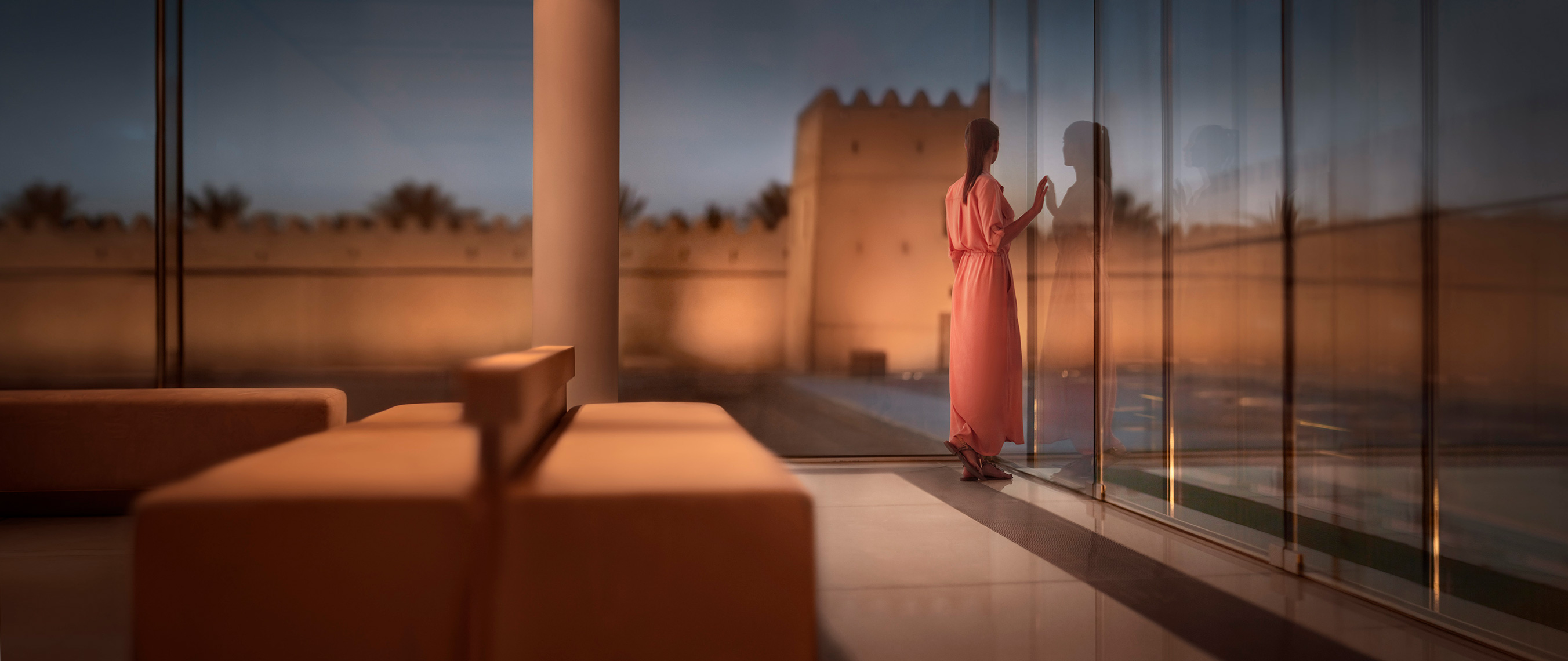 ABU_DHABI_MUJWAJI_FORT_WOMAN_WEBSITE